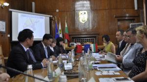 Консекутивен превод на делегацията от Китайския град Шантоу в Бургас