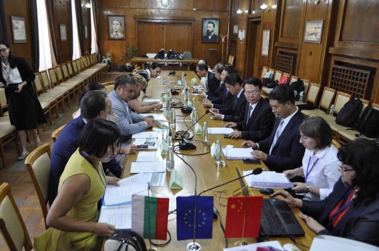 Устен консекутивен превод на делегация от Китайския град Шантоу в Бургас